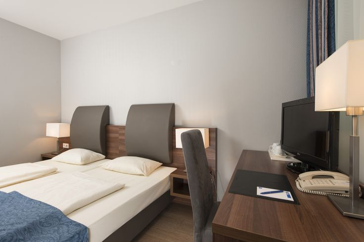 All 105 rooms of the TRYP by Wyndham Hamburg Arena are divided into the categories Standard, Superior and Apartment. The rooms have flat screen TV's with Sky Atlantic and Sky Sports Info,