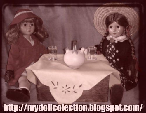 Tomando agua...Margaret and Stamp doll ( Dewees Cochran for Effanbee )