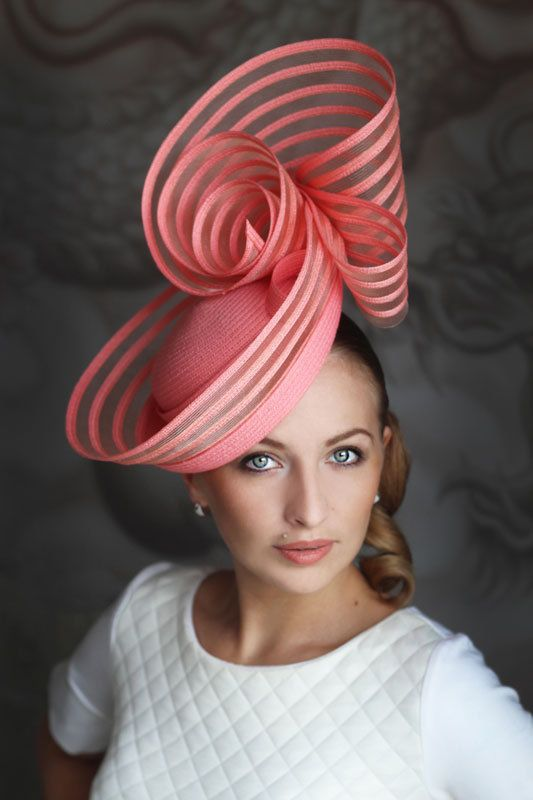 Fantasy coral hat. Lovely mix of materials. #judithm