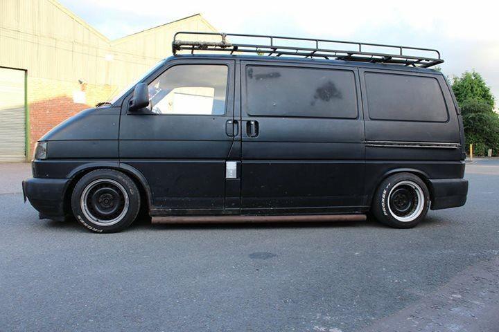 VW T4 - matte black - slammed notched banded wheels