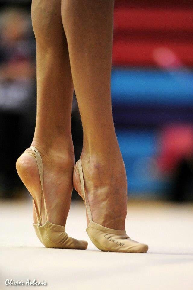 Фото гимнасток с ногами