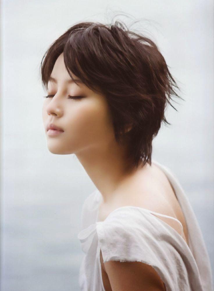 No hay nada como ver fotos de chicas lindas japonesas, chicas de ojos razgados que derrochan talento, sensualidad ante el lente de la camara...