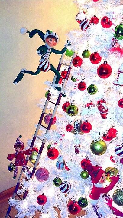 Anna Lee elves, Christmas tree