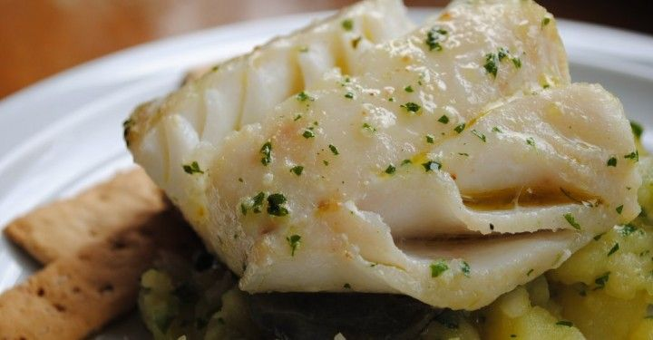 Imagen: recetolandia.com    Necesitamos    4 filetes de bacalao congelado de unos 300 gramos cada uno   Limón   2 cucharadas de orégano fr...