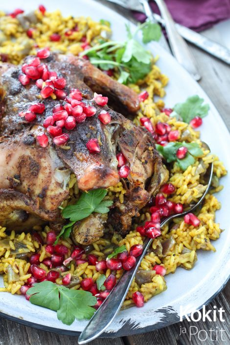 Kokit ja Potit -ruokablogi: Mausteisella riisillä täytetty kokonainen broileri