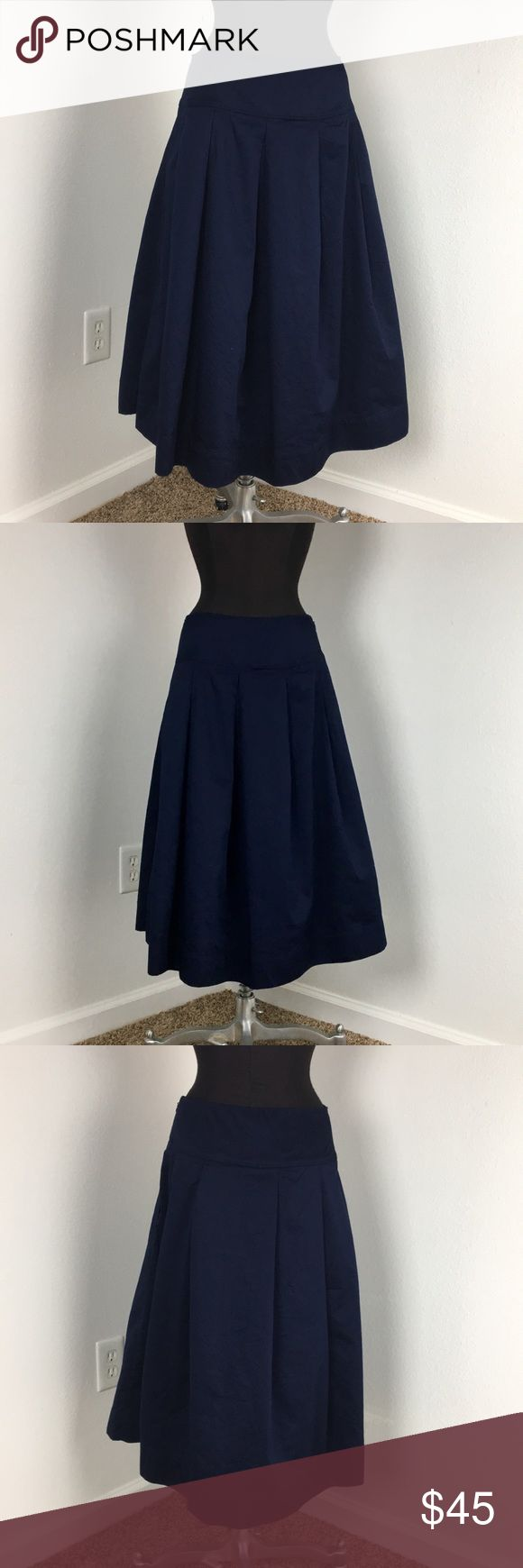 NWT Gap Full Navy A-Line Midi NWT Gap Full Navy A-Line Midi, soooo cute. Size 8P, measurements in photos. Unlined. Machine washable. 100% cotton. GAP Skirts Midi