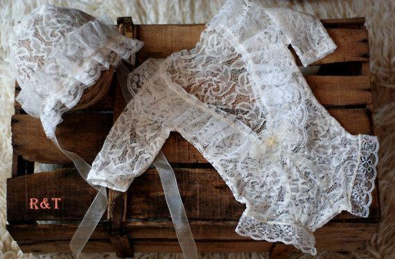 bebé mameluco  capucha cordón del recién nacido de por anilita