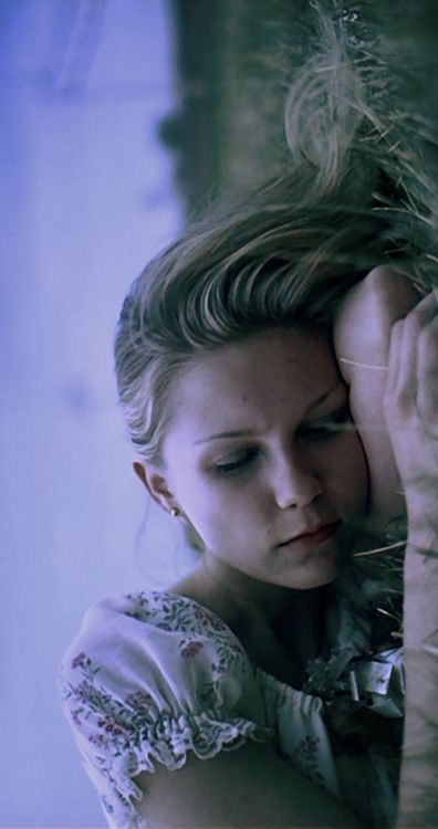 the virgin suicides- kirsten dunst