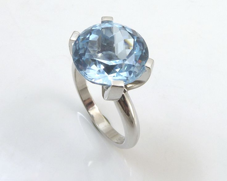 Something blue! #topaz white #gold #ring #minimalistic and #elegant