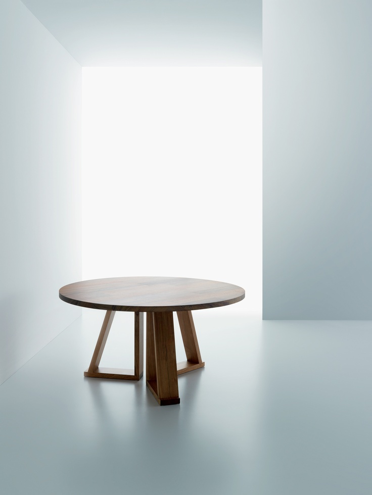 Solid table by Miniforms; www.miniforms.eu