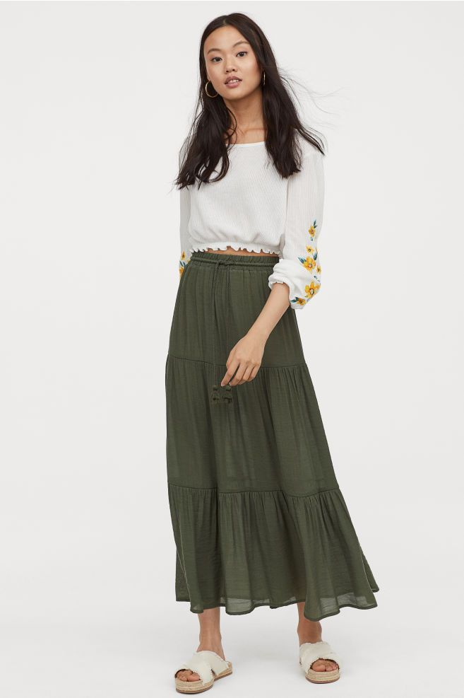 c8f8f7f9197e H&M Long Skirt - Green in 2019   clothes I'd like to own- work ...