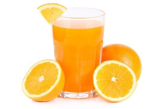 Succhi di frutta a base di agrumi. Possono aiutarvi ad aumentare l'apporto di potassio: provate a utilizzarli per preparare bibite dissetanti aggiungendo acqua minerale gassata, alcune foglioline di menta fresca e scorza di limone a piacere.