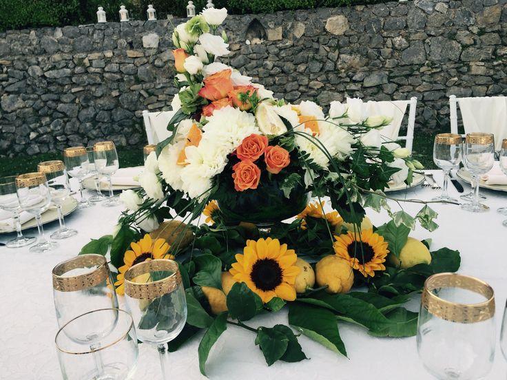 Wedding day, Villa Minuta, Scala, White, Yellow and Orange colors, Flower Centerpiece, Olga Studio, Sposa Mediterranea, Federica wedding Planner