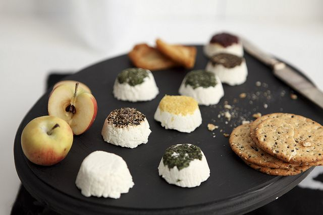 homemade goat cheese.  i really want to do this.Almond Cheese, Fresh Goats, Goats Chees Recipe, Goats Milk, Homemade Almond, Goat Cheese Recipes, Chees Chocolates, Homemade Goats, Goats Cheese Recipe