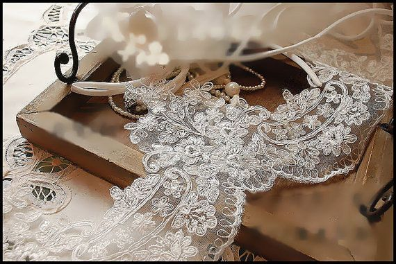 Ivory Alencon Lace Trim Retro Embroidered Wedding Lace Trim 6.8 Inches Wide 1 Yard Costume Supplies