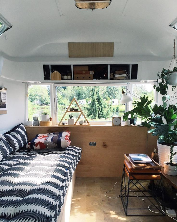 The airstream is filled with so much light today by tincanhomestead