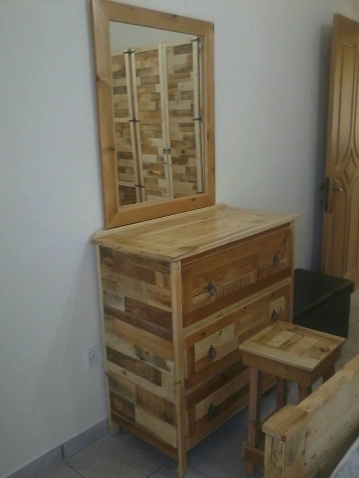 Bedroom Furniture Made From Pallets 23 best armário e cômodas #pallet images on pinterest | pallets