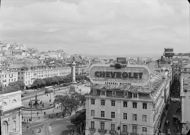 Rossio, Lisboa, with double decker buses!   Portugal by Biblioteca de Arte-Fundação Calouste Gulbenkian, via Flickr