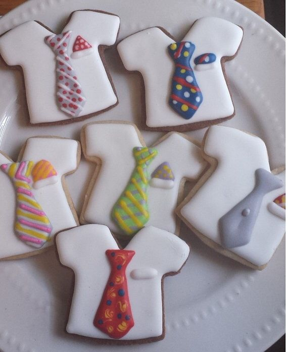 Custom cookies to honor the pioneers for all they do. These cookies can be presented to all the brothers who are pioneers in appreciation or to give the students attending pioneer school.