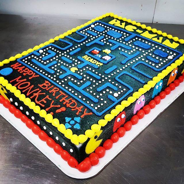 Pacman cake  #bramptoncakes #icecreamcake #dqcakes #pacmancake #pacman #icing