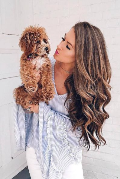 The perfect brunette hair color and curls on @cmcoving