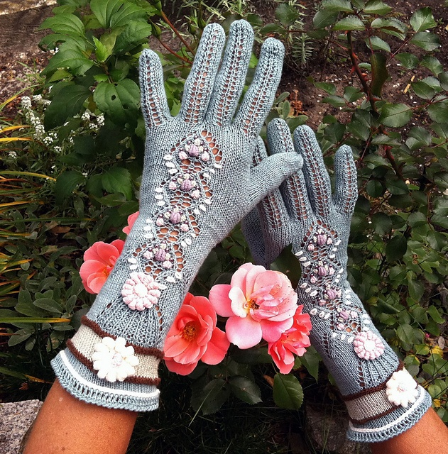 "Ravelry: dom-klary's Vintage Victorian lace gloves - ""Roses in the old garden"" by Dom Klary"