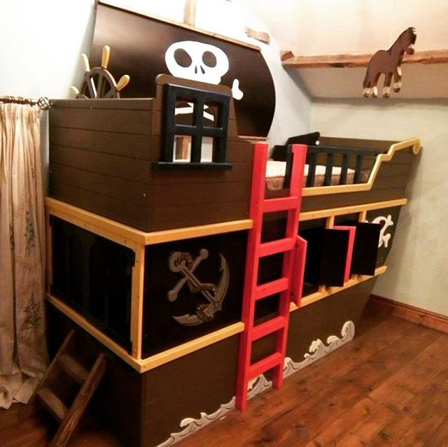 Sail the seven sea's of imagination on this beautifully crafted kids pirate ship cabin bed! Playtime would never be the same again :) #sea #pirates #pirate #ocean #ship #boat #nautical #skull #plank #playtime #toys #fun #imagination #imagine #bed #beds #bedroom #idea #furniture #woodworking #handmade #bespoke #kids #childrens #bunkbed #sleep #bedtime