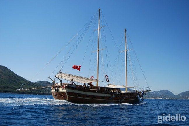 Yunanistan Haftalık Tekne Turu: Konforlu bir gulet, masmavi antik yunan suları! Bu turu daha iyi anlatamazdık herhalde. Hemen şimdi rezervasyonunuzu yapın ve bu bir haftalık Yunan adaları turundan keyifli anılarla döndüğünüzü hayal edin