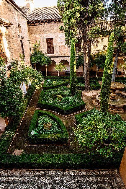 The Alhambra, Spain Amazing travel destination. www.haisitu.ro #haisitu #travel #vacation