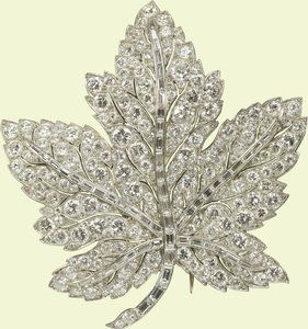 The Maple Leaf brooch, gift from king George VI to Queen Elizabeth (later the Queen Mother) in 1939 for their tour of Canada. Today it's worn by Queen Elizabeth II. It was also worn by the duchess of Cornwall and the duchess of Cambridge during state visits to Canada.