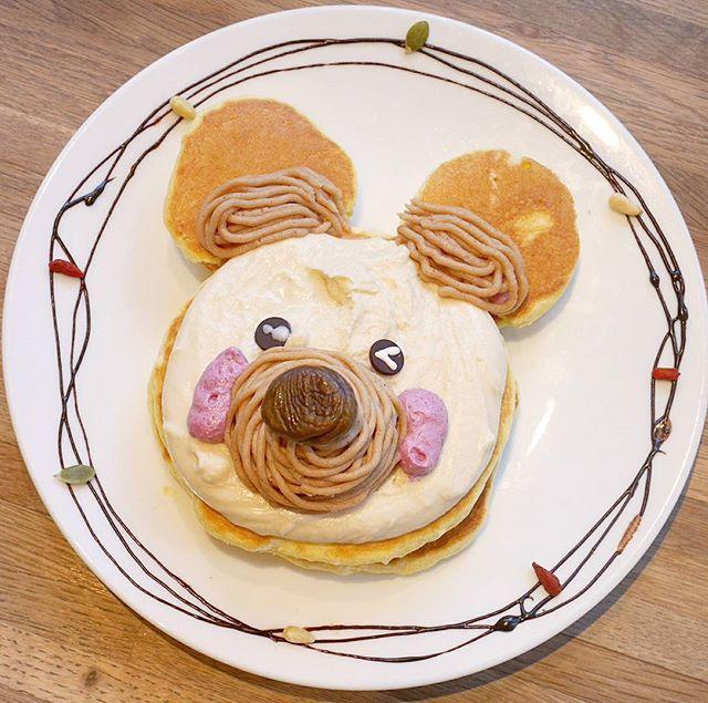 Moke-suke Pancakes!! 中目黒・モケスの新キャラクター「モケ助」(*´ェ`*)そのネーミングセンスとパンケーキのかわいさに脱帽♡モケスのモケスケ!!. . モンブラン×カシスムースで意外にも大人っぽい本格的な味の組み合わせ♪生地もトッピングも美味し~い!!(*^^*). . #pancake #pancakes #mokes #mokesbreadandbreakfast #mokesuke #tokyo #kawaii #nakameguro #cafe #sweets #パンケーキ #モケ助 #もけすけ #モケス #モケスブレッドアンドブレックファースト中目黒店 #モケスブレッドアンドブレックファースト #東京 #中目黒 #カフェ #スイーツ #モンブラン #カシス たぶんだけど #期間限定?  田丸友紀子 @tamaruyukiko  玄米パンケーキミックス @genmai_pancakemix