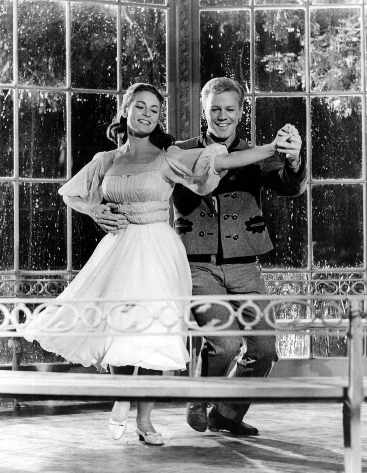"The Sound of Music (1965) - Charmian Carr & Daniel Truhitte singing ""Sixteen Going On Seventeen"""