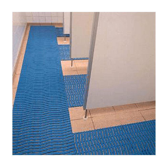 Maty Basenowe .higieniczne, antypoślizgowe, wykonane ze specjalnej kompozycji polietylenu ulepszonego środkiem antybakteryjnym co zapobiega rozwojowi grzybów i bakterii oraz zapewnia utrzymanie higieny w miejscach wilgotnych, antypoślizgowy spód zwiększa bezpieczeństwo, ażurowa budowa maty pozwala na swobodny odpływ wody, specjalna
