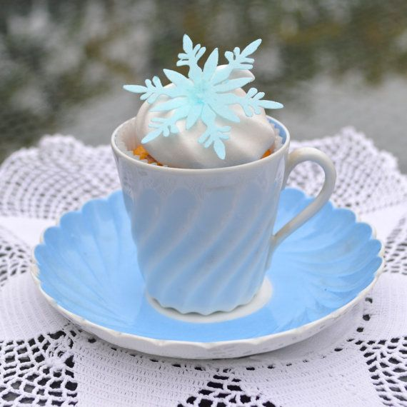 Edible Snowflakes Ice BLUE x 15 Large  Winter by WicksteadsEatMe