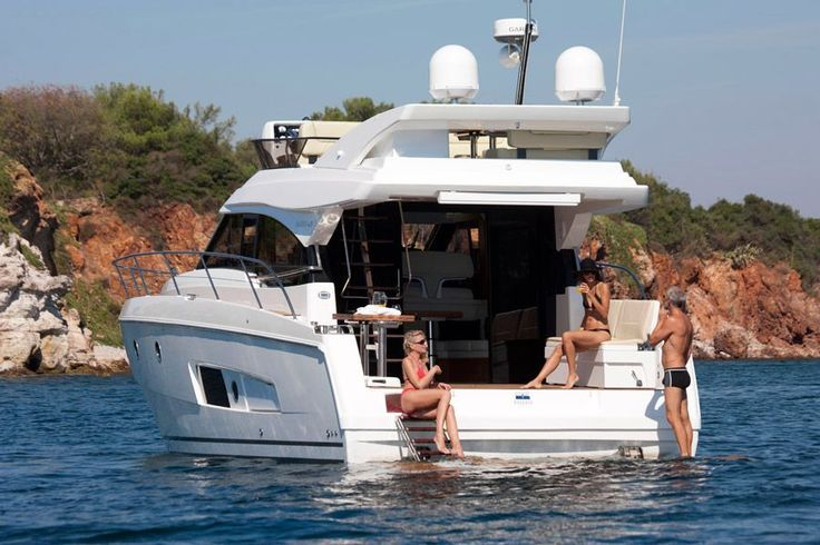 2017 Bavaria Virtess 420 Fly Power Boat For Sale - www.yachtworld.com