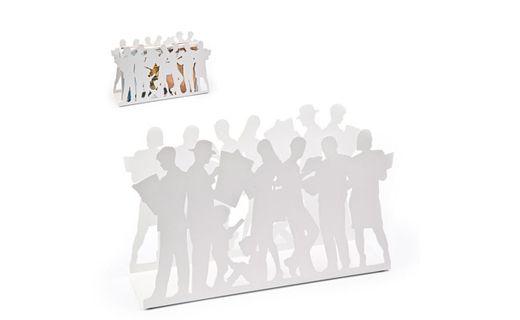 """#Revistero """"People Reading"""" Dimensiones:  25 x 41 x 12 cm, disponible en colores blanco y negro"""