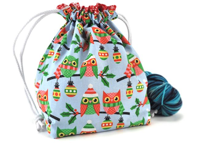 Super cute Christmas Owls knitting project bag from madbird.net