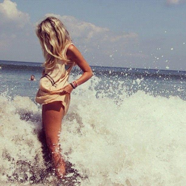 beach-babes-toppless