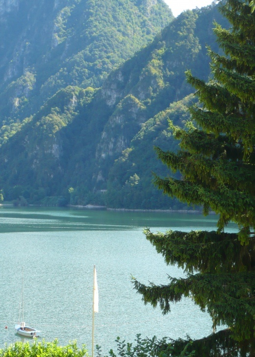 Lago d'Idro, Italy | Italia | Photo: Eva Schaap   - for more inspiration visit http://pinterest.com/franpestel/boards/
