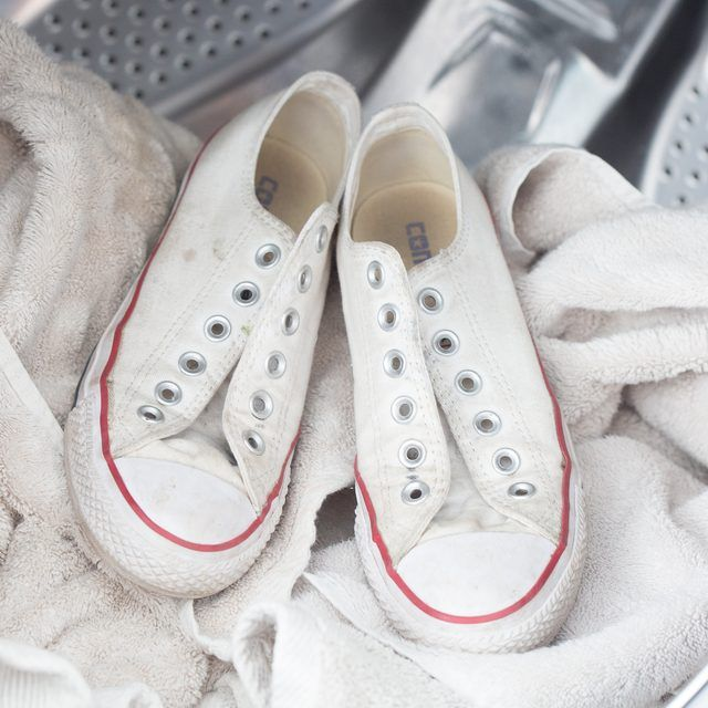 how to wash white keds in the washing machine