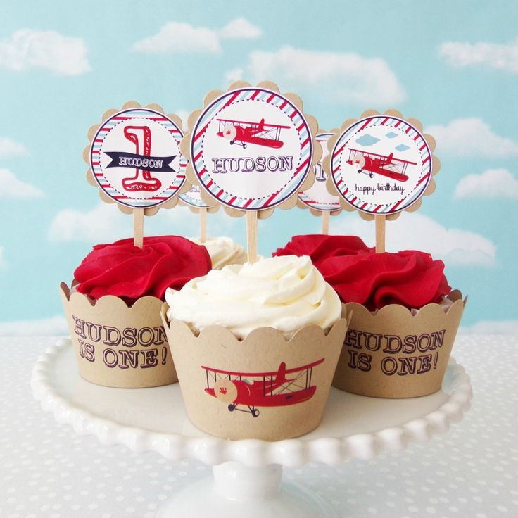 Add some handmade charm to your ordinary cupcakes with our Vintage Airplane Cupcake Toppers & Wrappers Set!!! You will receive a set of 12 toppers mounted on food safe wood picks and 12 assorted cupca