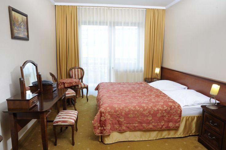 Dzień Kobiet zbliża się wielkimi krokami. Spontaniczny wyjazd do Muszyny to również ciekawy sposób na świętowanie tego wyjątkowego dnia ;) #dzieńkobiet #muszyna #beskidy #wypoczynek #nawypoczynek #relaks #góry #hotel #pokój #room