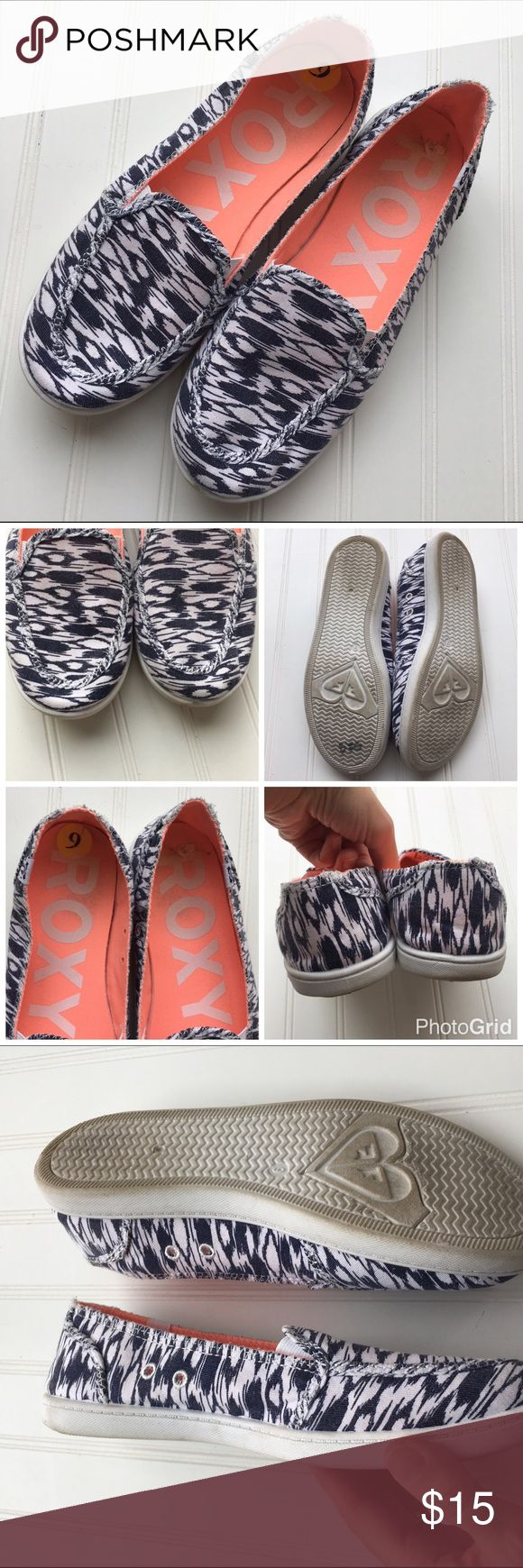 """Roxy blue & white slip on canvas shoes! 9 Great navy blue and white canvas shoes! Great condition, super comfy for spring! Bottom measures just under 11"""". Roxy // size 9 // Roxy Shoes"""