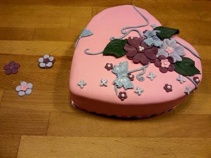 Pink sweetness cake