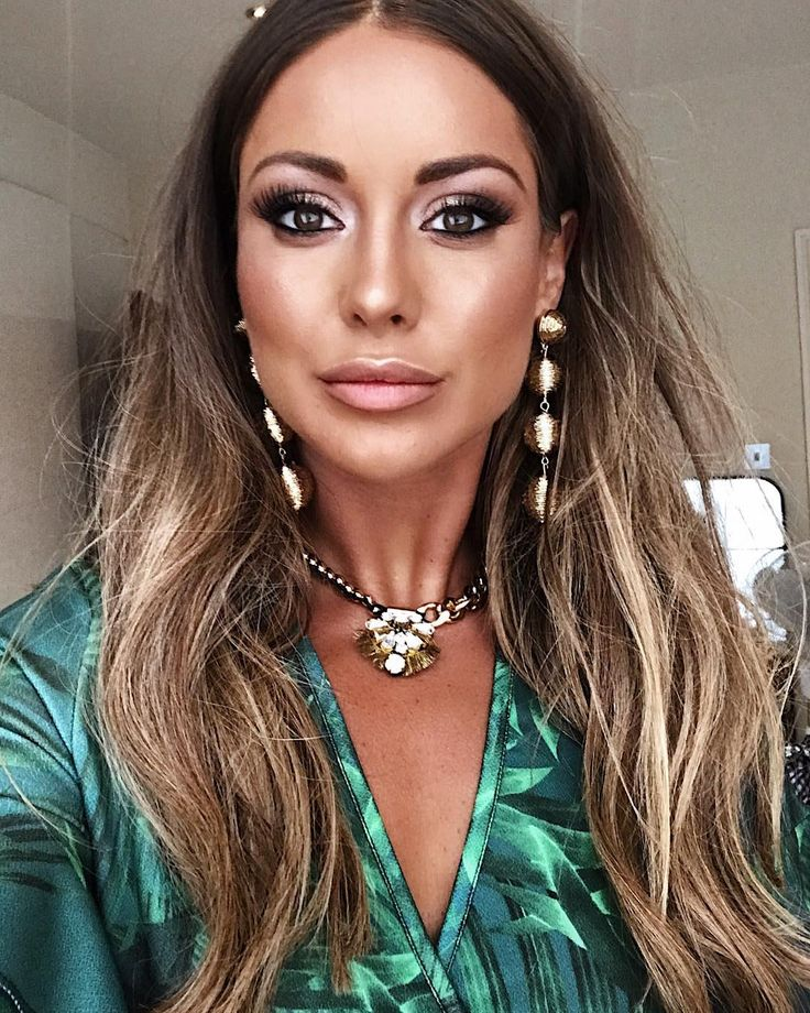 "41.5k Likes, 526 Comments - Louise Thompson (@louise.thompson) on Instagram: ""Seeing straight through you  So... I'm thinking of doing some makeup tutorial videos? I have so…"""