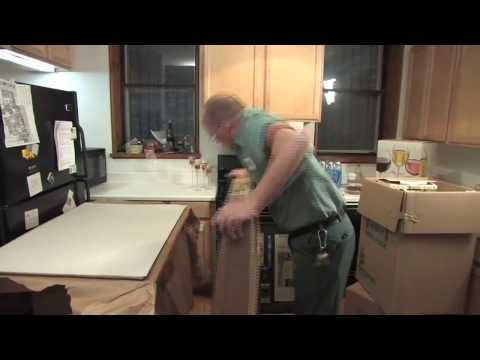How To Pack For A move Across Country - Professional packing tips from cross country movers - video