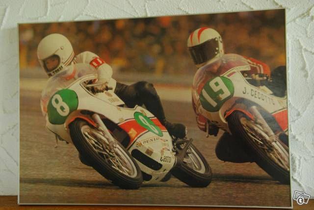 Poster Ikujiro Takai und Johnny Cecotto - original Poster (kein Repro) zeigt Ikujiro Takai und Johnny Cecotto beide auf Yamaha. Masse: 65x45cm.  Das P...