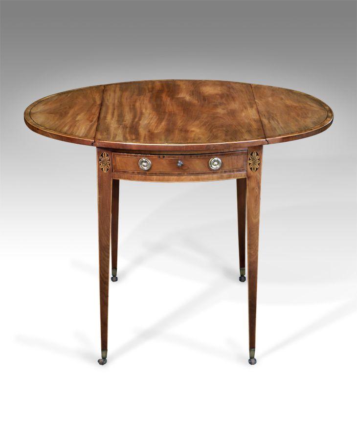 Fine Quality George III Oval Pembroke Table