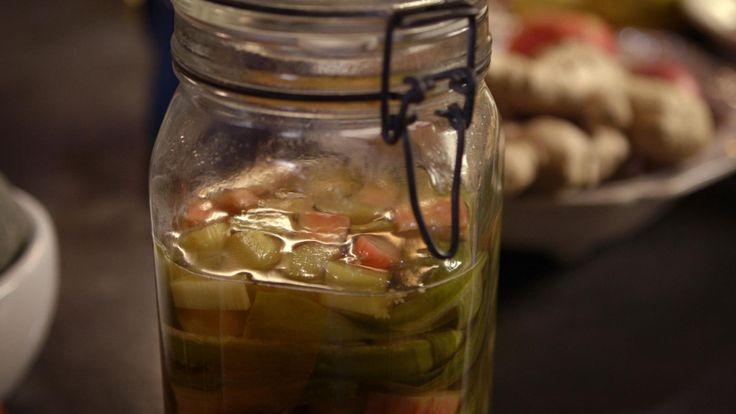 Het drankje My Clear Herbal Spritz komt uit het programma Koken met van Boven. Lees hier het hele recept en maak zelf heerlijke Clear Herbal Spritz.