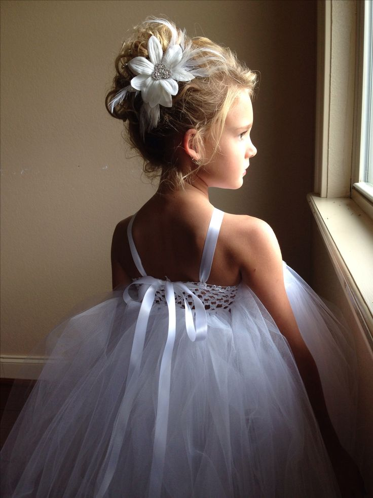 #Flowergirl #Blue #Wedding … ideas, ideas and more ideas about  HOW TO plan a wedding  ♡ https://itunes.apple.com/au/app/the-gold-wedding-planner/id498112599?mt=8